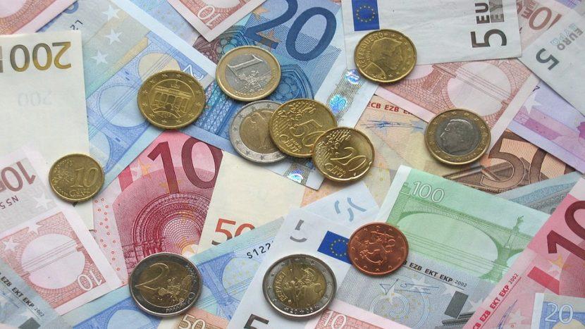 Jan Boer Kom hier met je geld!